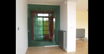 Skleněné dveře jsou nejen elegantní, ale také velmi praktické