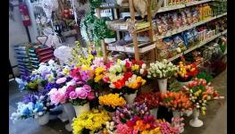 Věnce, svíčky a květinová výzdoba na hroby a hřbitovy - na památku zesnulých