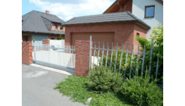 Garážová vrata - kvalita za rozumnou cenu, ochrana i ozdoba vašeho domu