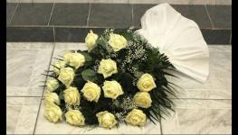 Pohřební zboží, nabídka rakví a uren, vazba květin a věnců, potisk smutečních stuh