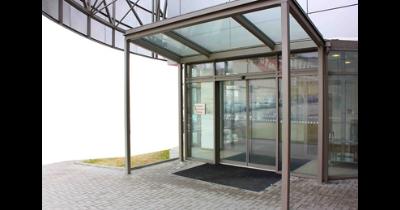 Automatické dveře Spedos s elektrickým pohonem, turniketové, karuselové dveře