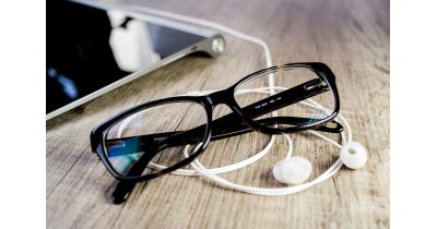 Oční optika Praha 9 – slušivé brýle pro každého i mnohem víc