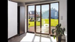Posuvně sklopné dveře - moderní balkónové dveře, které zajistí více světla a prostoru