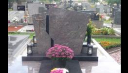 Kamenné bytové doplňky, parapety, schody, krby - kvalitní kamenické práce