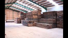 Dřevotřískové OSB desky pro truhlářství a nábytkové konstrukce