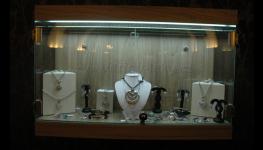Skleněné vitríny pro obchody, domácnosti i muzea