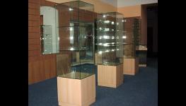 Výroba, skleněné, prosklené, otočné vitríny, prosklené pulty