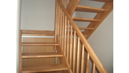 Dřevěné schodiště oživte netypickým dřevem