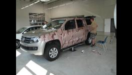 Aplikace autofolie, protisluneční fólie na sklo auta, budovy Zlín