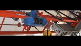 Spolehlivé revize zdvihacích zařízení – od jeřábů až po kladkostroje a zvedáky