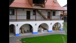 Stavební práce - výstavba rodinných domů na klíč a zednické práce