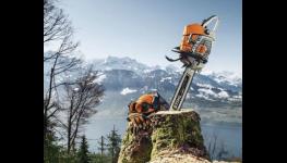 Lesní technika Stihl, stroje a příslušenství pro těžbu a zpracování dřeva
