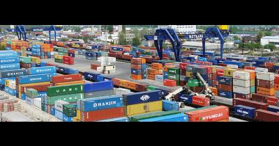 Kontejnery pro uložení zboží i přepravu Praha – bezpečné a jednoduché řešení