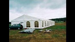 Stavba párty a cateringových stanů Praha –  zastřešení pro společenské akce