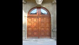 Výroba kopií a opravy historických oken a dveří – restaurování