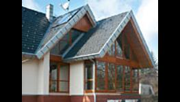 Inteligentní solární dřevěná okna s izolačním trojsklem