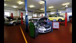 Renovace čerpadelDeNOx aDENOXTRONIC dopravujícímočovinu (AdBlue) do výfuků nákladních vozidel nebo autobusů od výrobce Bosch