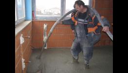 Lehká cementová litá pěna Poriment zajistí dokonale rovný povrch