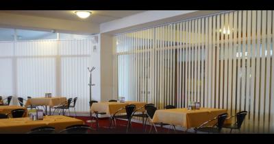 Horizontální a vertikální žaluzie, do bytu i do kanceláří, nabídka sítí proti hmyzu