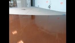 Strojně hlazené průmyslové betonové podlahy - vnitřní, venkovní, barevné