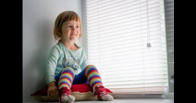 Žaluzie a rolety nesmí být nebezpečné pro děti