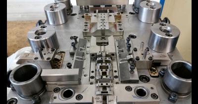 Nástrojárna ISOTRA – výroba nástrojů a vlastních strojů, měřidel i obrábění