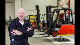Prodej nových i použitých vysokozdvižných vozíků a další skladové techniky