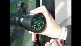 Měření propustnosti autoskel pomocí certifikovaného přístroje