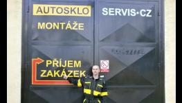 Výměna autoskel Praha s využitím originálních značkových materiálů