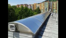 Venkovní, interiérové protisluneční okenní fólie - účinné zamezení přehřívání interiérů