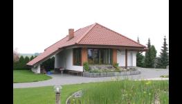 Povrchová úprava oken i vchodových dveří ze dřeva pro dokonalý vzhled a dlouhou životnost
