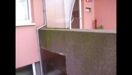 Mytí zateplených paneláků a výškových budov profesionálně od ARS