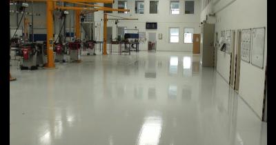 Průmyslové podlahy – pokládka, renovace, opravy, srovnávání nerovných povrchů