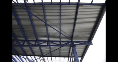 Trapézová střešní krytina, trapézové plechy pro interiéry, bednění i ploty