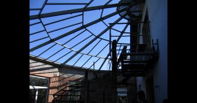 Výroba svařovaných hliníkových konstrukcí, žebříky, lešení, schůdky, plošiny