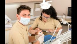 Dentální hygiena Praha 4 -  součást prevence zubního kazu, zánětu dásní a paradentózy.