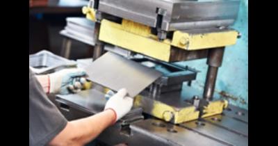 Kovovýroba, strojírenské výrobky, ohýbání plechů a trubek