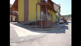 Hydraulická nůžková plošina na schodiště, balkóny, terasy - bezplatný návrh řešení