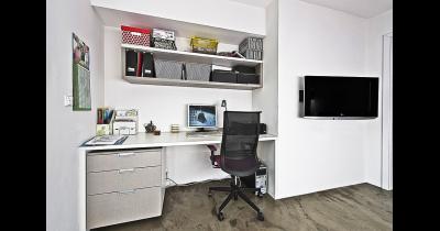 Kancelářský nábytek na míru - stoly židle, knihovny, kontejnery