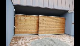 Svislé fasádní clony, okenní markýzy - efektivní zastínění oken, pergoly, fasády