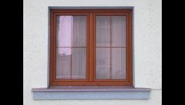 Sítě proti hmyzu a vertikální nebo horizontální žaluzie do oken - široký výběr okenních doplňků