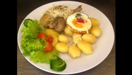 Denní menu - velký výběr jídel včetně polévky, rozvoz, venkovní posezení
