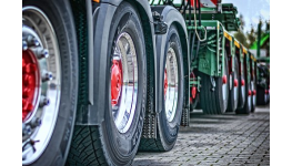 Speciální pneumatiky a disky pro speciální stroje, užitkové vozy