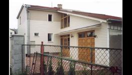 Spolehlivé zateplení foukanou izolací pro šikmé střechy, stropy, podlahy i dělící stěny