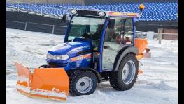 Pomoc při zimní údržbě – uklízeče, odhrnovače sněhu chodníků a zpevněných ploch