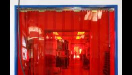 Plastové lamelové clony a PVC závěsy - řešení problému stále otevřených vrat