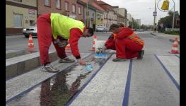 Fréza na divoké trhliny CRAFCO na asfaltové i betonové povrchy - pro přípravu trhlin