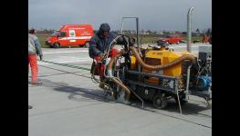 Zálivkové hmoty, zalévání trhlin - metoda ochrany silnic, asfaltových i betonových komunikací