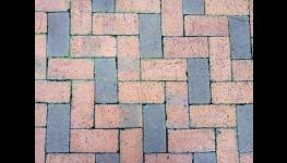 Zámková a chodníková dlažba, betonové obrubníky, žlabovky s roštem, koryta