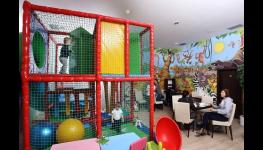 Cukrárna a kavárna s dětským koutkem a venkovním hřištěm pro děti